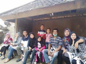 Piknik Keluarga ke Candi Cetho